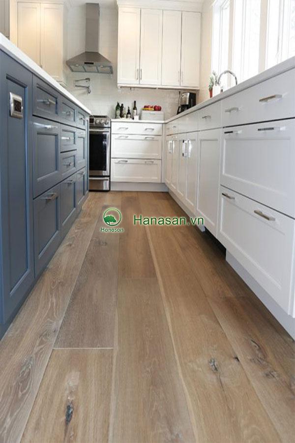 Sàn gỗ màu óc chó hạt dẻ